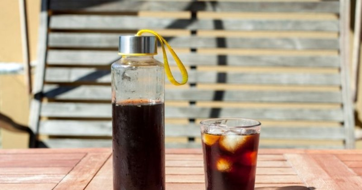 Making Cold Brew coffee with various equipment